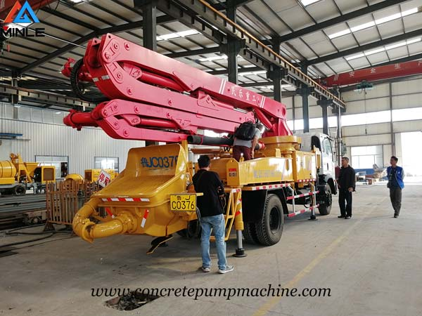 Malaysia Clients Visited MINLE MACHINE to Inspect Concrete Boom Pump Truck
