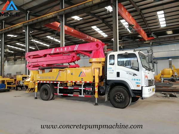 Malaysia Clients Visited MINLE MACHINE to Inspect Concrete Boom Pump
