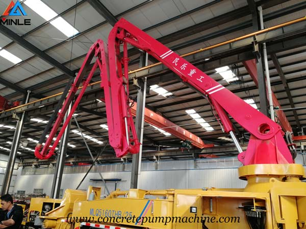 Malaysia Clients Visited MINLE MACHINE to Inspect Concrete Boom Truck